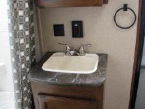 35-foot-rental-trailer-bayleys-resort-bathroom