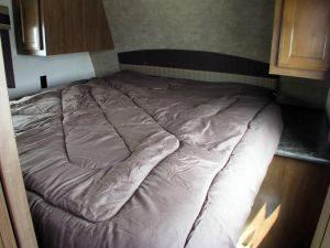 35-foot-rental-trailer-bayleys-resort-bedroom