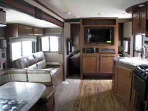 35-foot-rental-trailer-bayleys-resort-kitchen-living-room