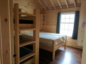 bayleys-resort-cabin-rentals-bedroom-1