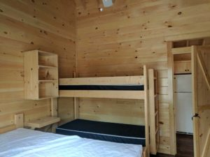 bayleys-resort-cabin-rentals-bunks-in-bedroom