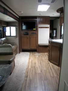 29-foot-rental-trailer-bayleys-resort-kitchen-living-room