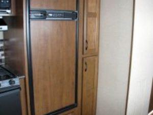 35-foot-rental-trailer-bayleys-resort-fridge