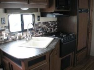 35-foot-rental-trailer-bayleys-resort-kitchen