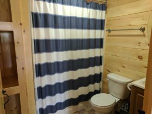 bayleys-resort-cabin-rentals-bathroom
