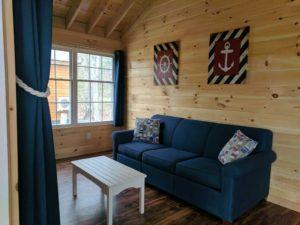 bayleys-resort-cabin-rentals-couch-living-room