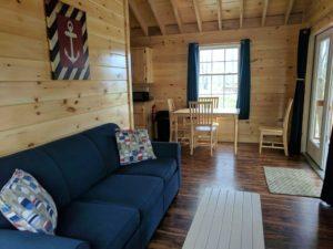 bayleys-resort-cabin-rentals-living-dining-room