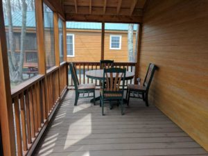bayleys-resort-cabin-rentals-screened-porch-