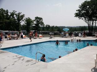 bayleys-resort-little-river-complex-3