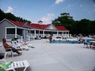 bayleys-resort-little-river-complex-5
